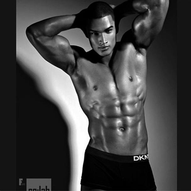 Famoso 5 modelli da seguire su instagram - i-D FW62