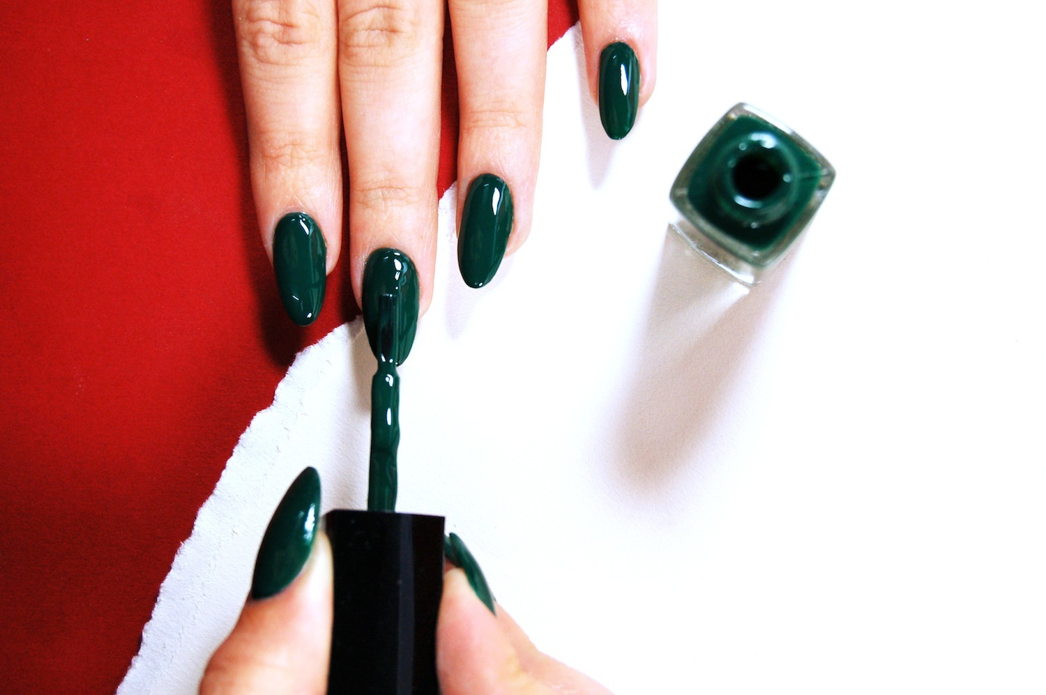 wah\'s guide to classy christmas nails - i-D