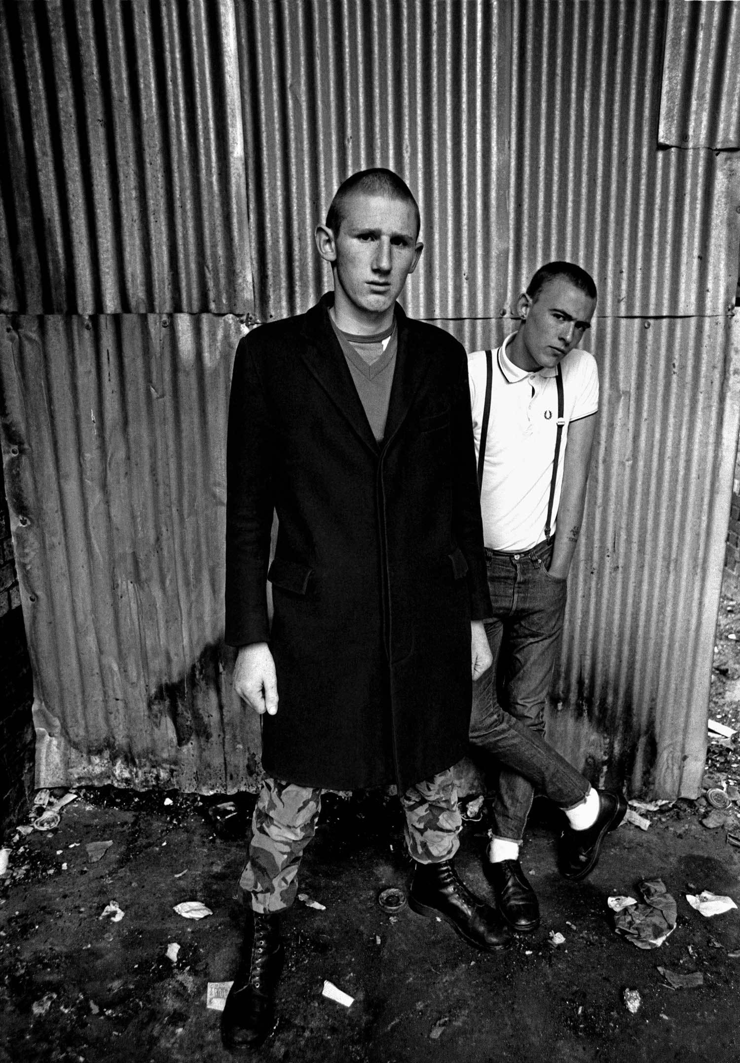 an analysis of immigrants slaves and skinheads englands role in reggae Traditional skinheads sometimes wear suits, often made out oftwo-tone tonic fabric (shiny mohair-like material that changes colour indifferent light and angles)many skinheads the skinhead subculture was originally associated with black popular music genres such as soul, rocksteady and early reggae.