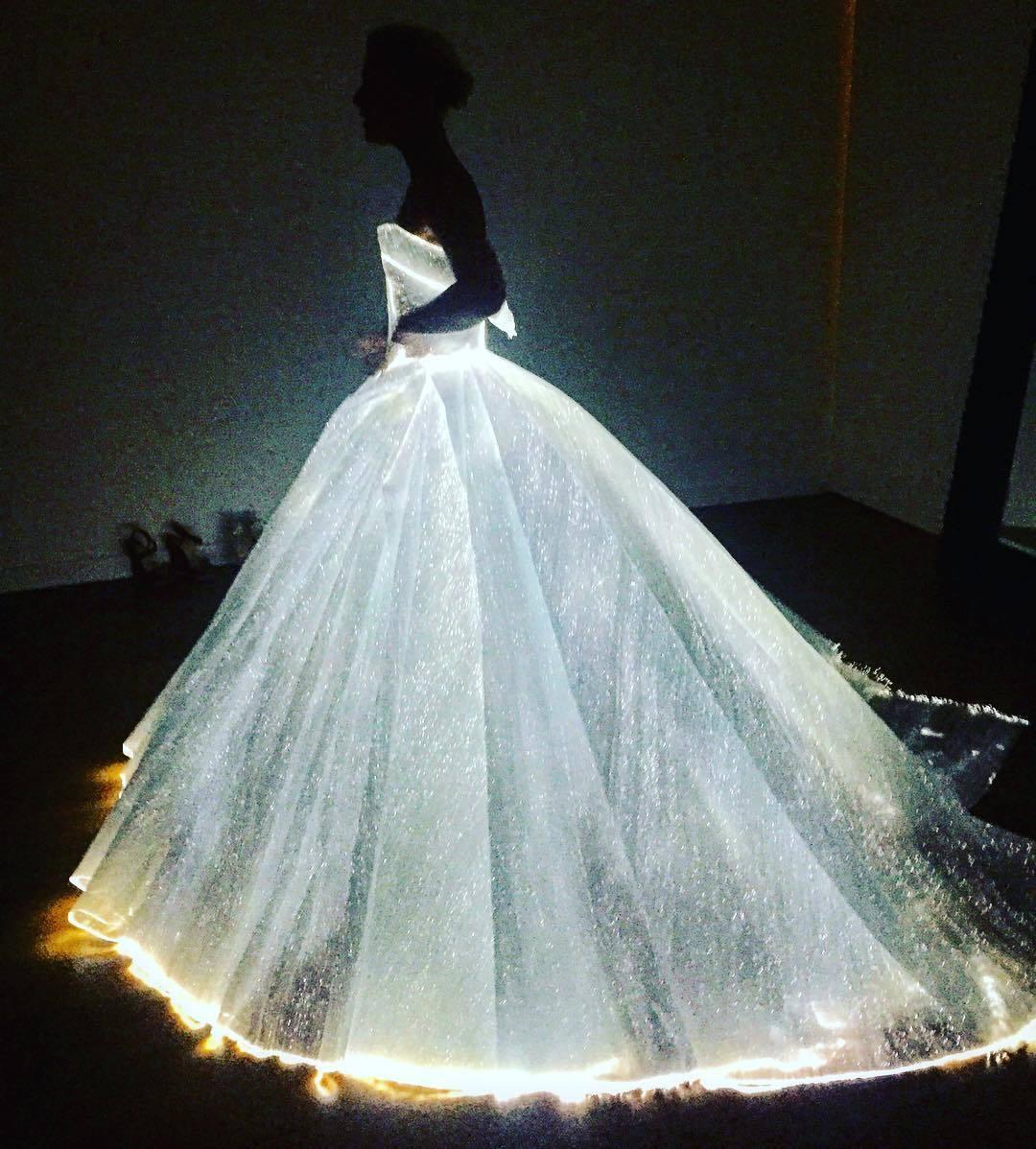 Met Gala 2016: Lily-rose Depp, Vestidos Con Iluminación, Y