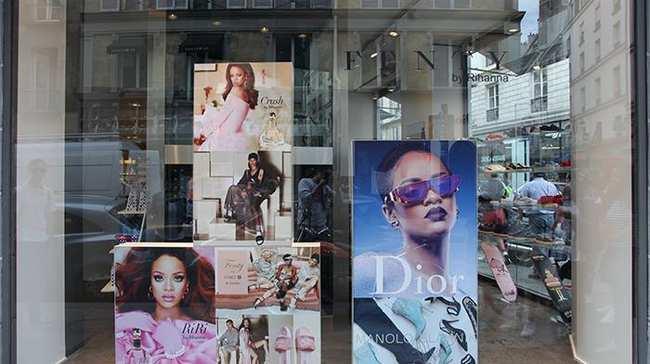 rihanna opened a pop-up store in paris - i-D 2ad43efd87f7