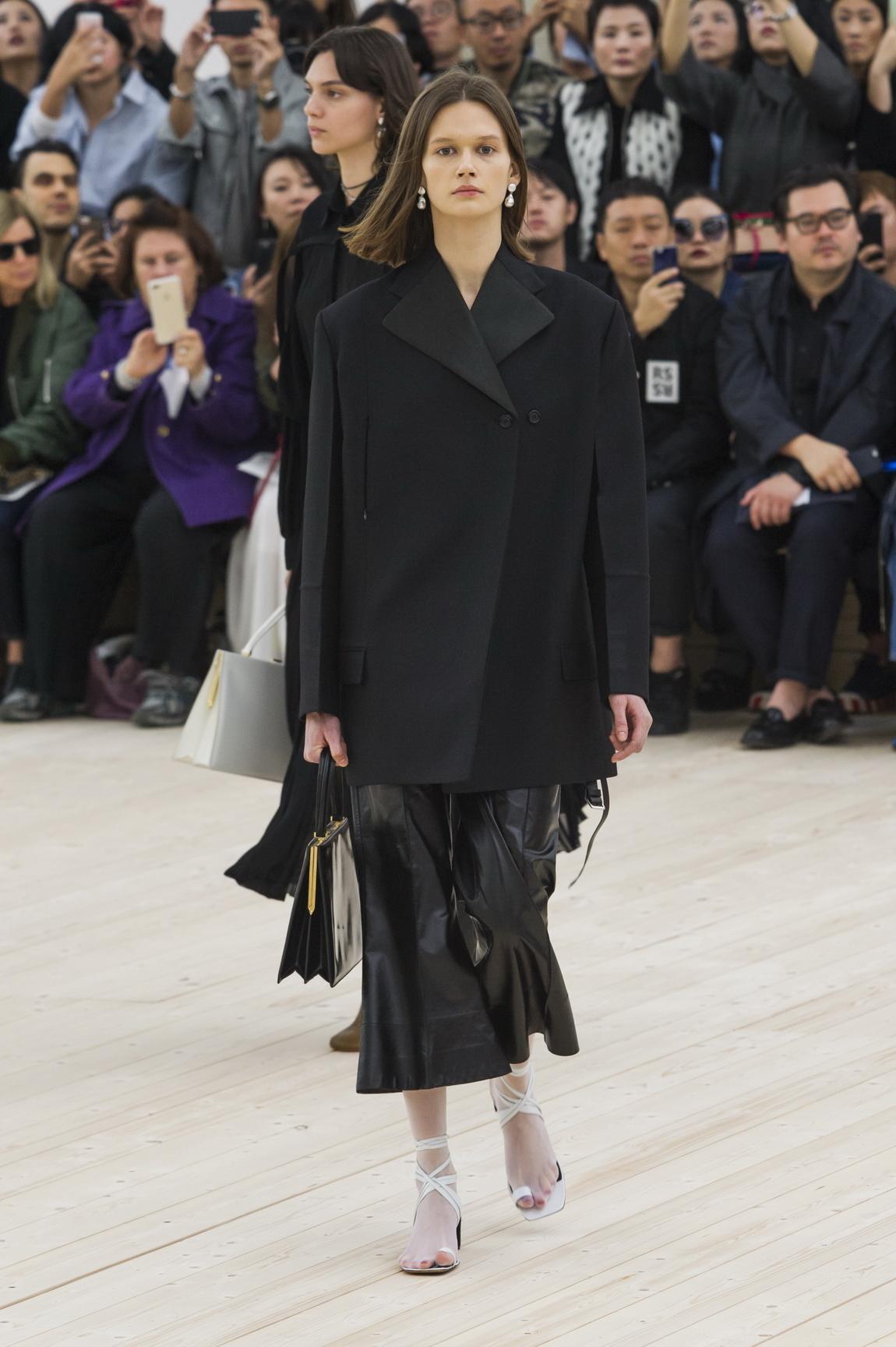 The bold and beautiful fashion 44