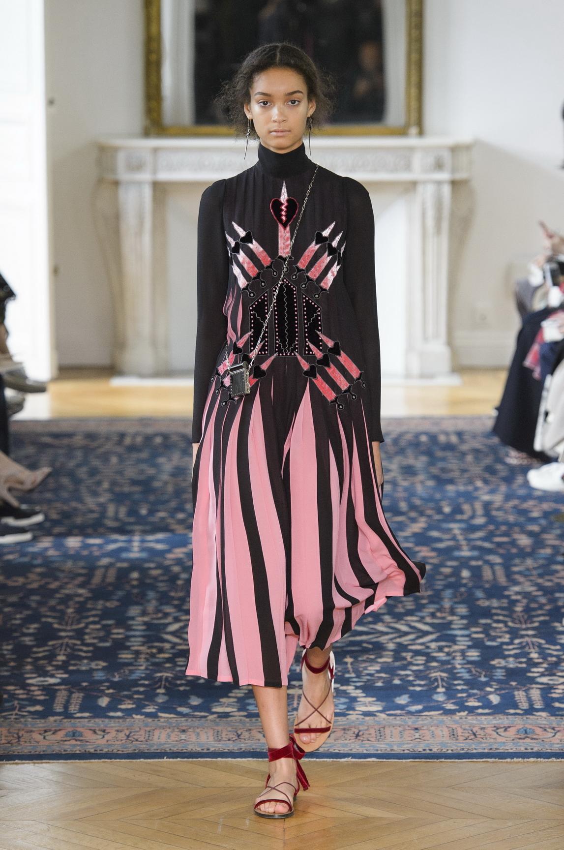 Vogue: Vogue Fashion Week Video Series m 98