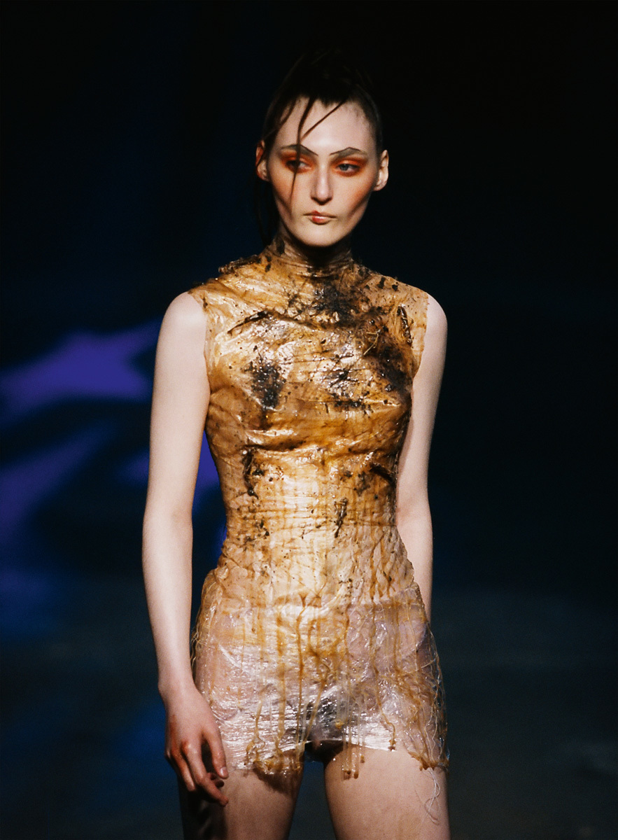 McQueen: the Show Must Go on