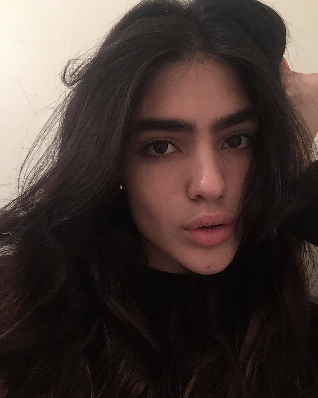 Fashion 2017 teenager - Bushy Browed Beauty Natalia Castellar Calvani Defies The