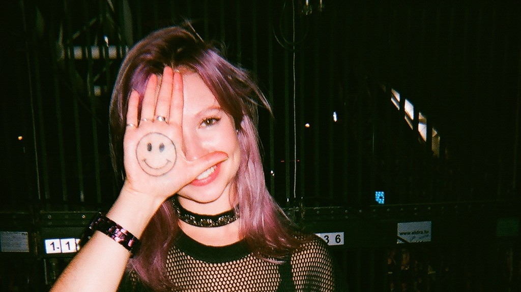 Digital Soundgirl B.Traits is having a rad summer