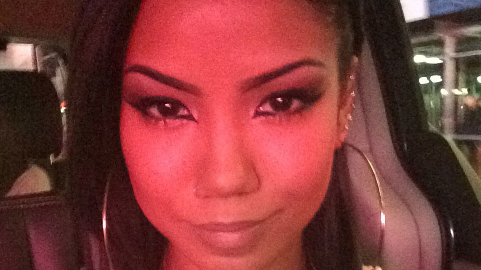meet jhené aiko, the little sister drake never had