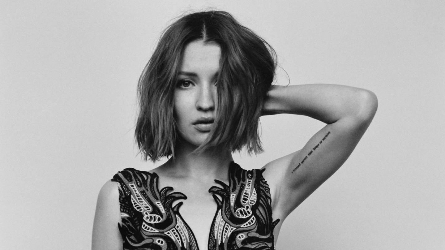 emily browning's guide to l-o-v-e