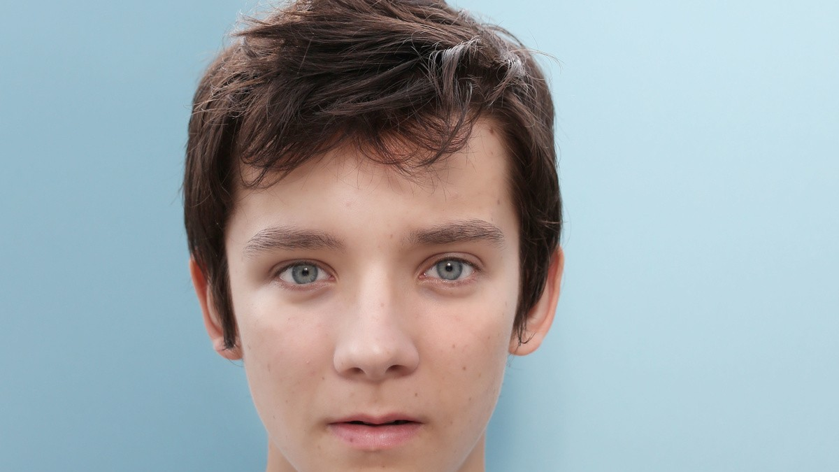 asa butterfield, the sky-blue eyed star of Ender's Game