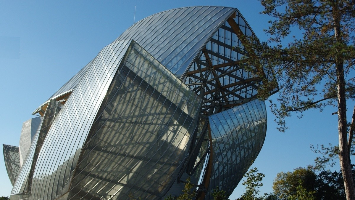 The new Frank Gehry designed Louis Vuitton Foundation building opens
