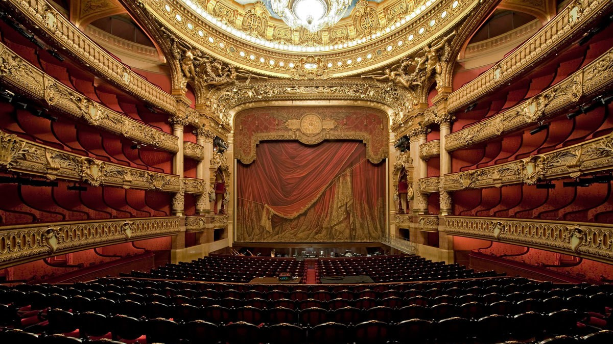 https://i-d-images.vice.com/images/articles/meta/2015/02/05/karl-alber-and-raf-rumoured-to-work-with-opera-de-paris-ballet-1423156797.jpg?crop=1xw:0.84586466165414xh;center,top&resize=2000:*&output-format=image/jpeg&output-quality=75