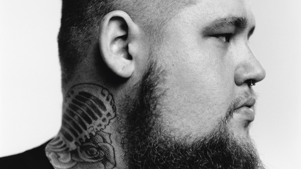 rag'n'bone man has got soul tattooed on his hands and cemented in his heart