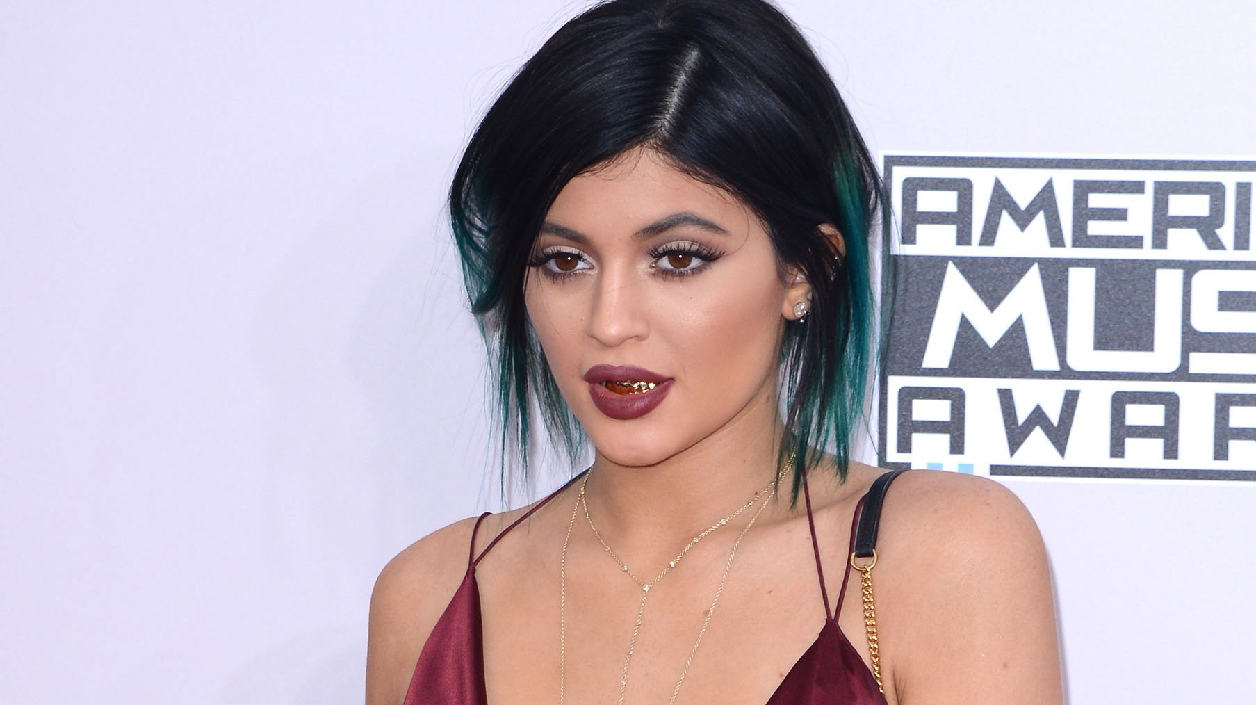 jenners single men Kendall and kris jenner as well as kim kardashian make appearances in this season, which will premiere in march while khloe kardashian is not in the promo,.