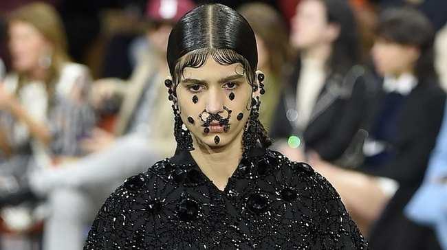 6d949fc5a3df7 10 of fashion's most major goth moments - i-D