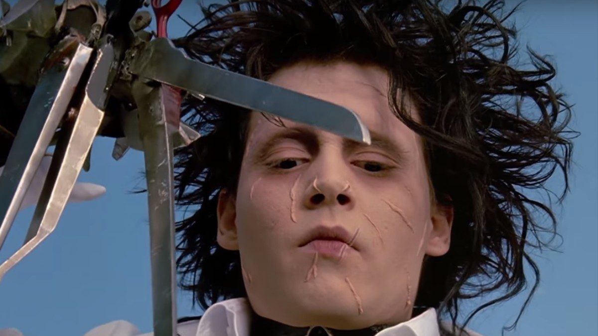 a plot summary of tim burtons movie edward scissorhands Free essay: genre and narrative establishment in edward scissorhands and sleep hollow by tim burton genre is the french word for 'type' type is the kind of.
