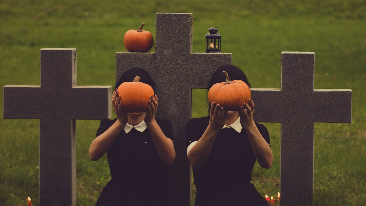 ​a girl's guide to halloween