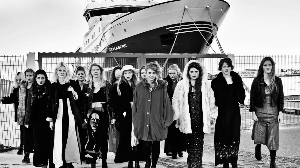 reykjavikurdaetur are the 15 strong female icelandic rap crew making their voices heard