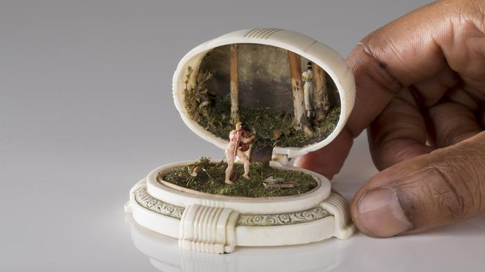 talwst recreates miniature historical atrocities in antique jewelry boxes