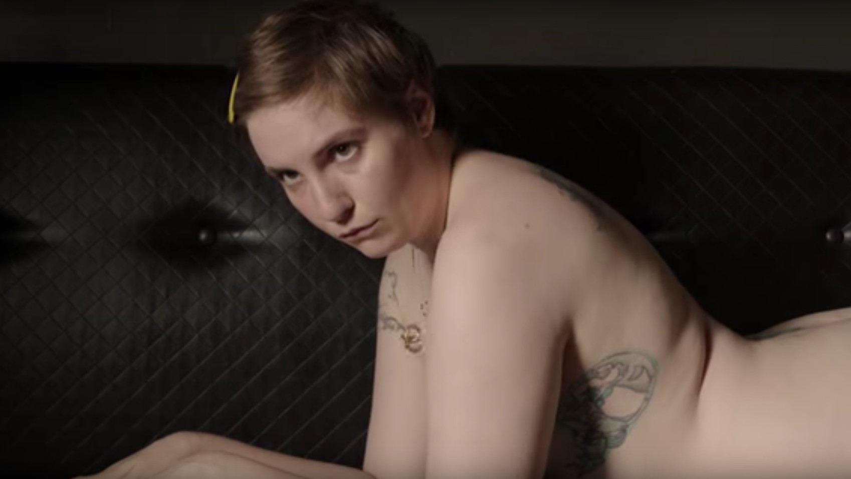 hannah takes nudes and shosh gets kawaii in new 'girls' trailer
