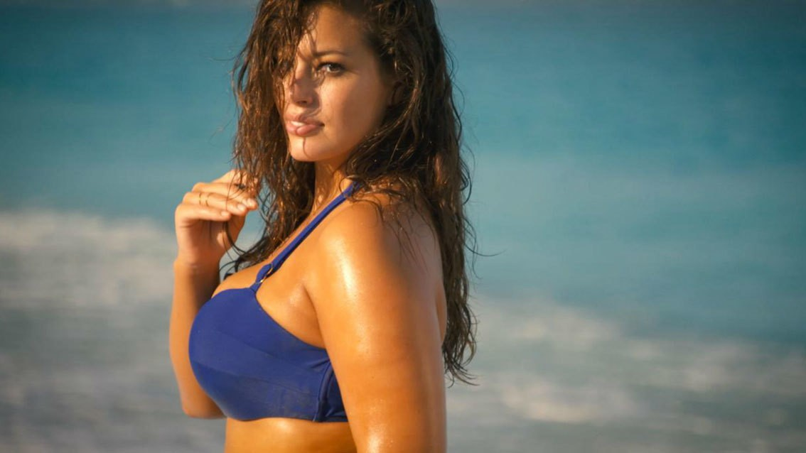 "​sports illustrated announces ""plus size"" model ashley graham as their latest rookie star"
