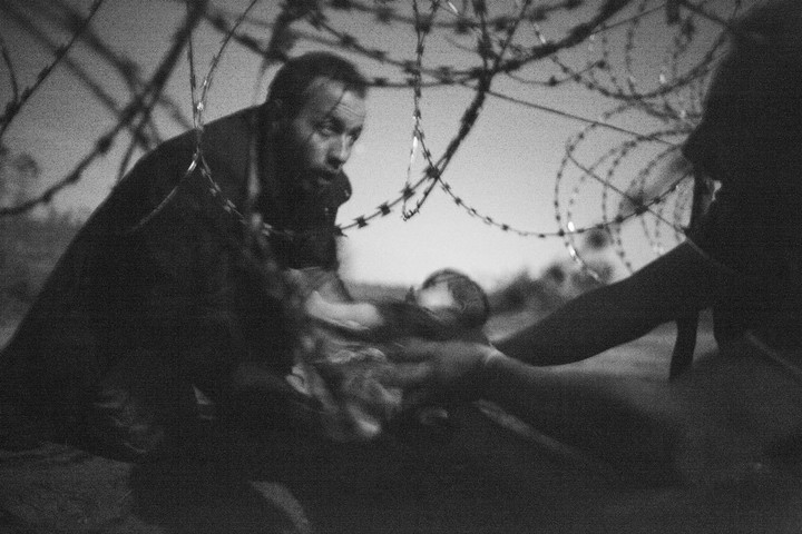 das sind die ergreifenden gewinnerfotos der world press photo awards 2016