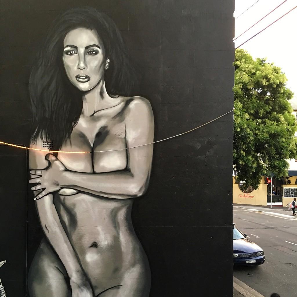 Sydney Has Got Its Own Kim Kardashian Naked Selfie Mural -4187