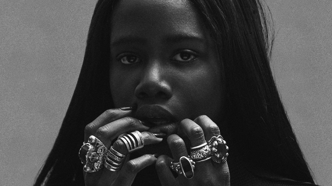 video premiere: london newcomer oyinda channels beyoncé in 'never enough'