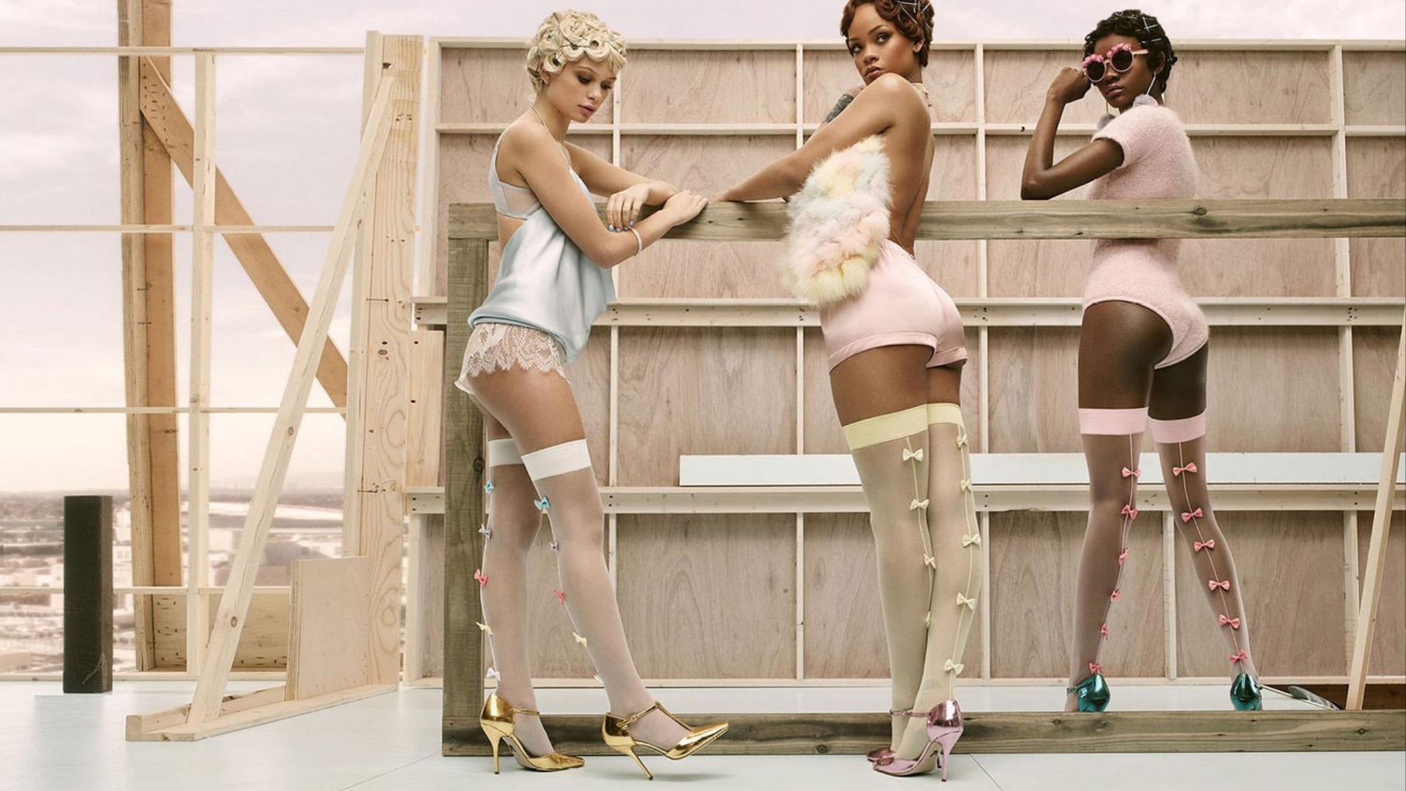 un vistazo al lookbook de la línea de calcetas de rihanna, fenty x stance
