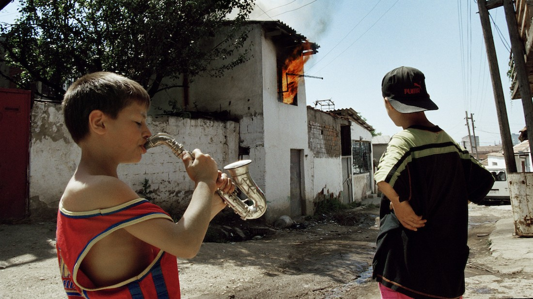 pj harvey and seamus murphy share a moving document of conflict around the world