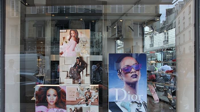 rihanna opened a pop-up store in paris
