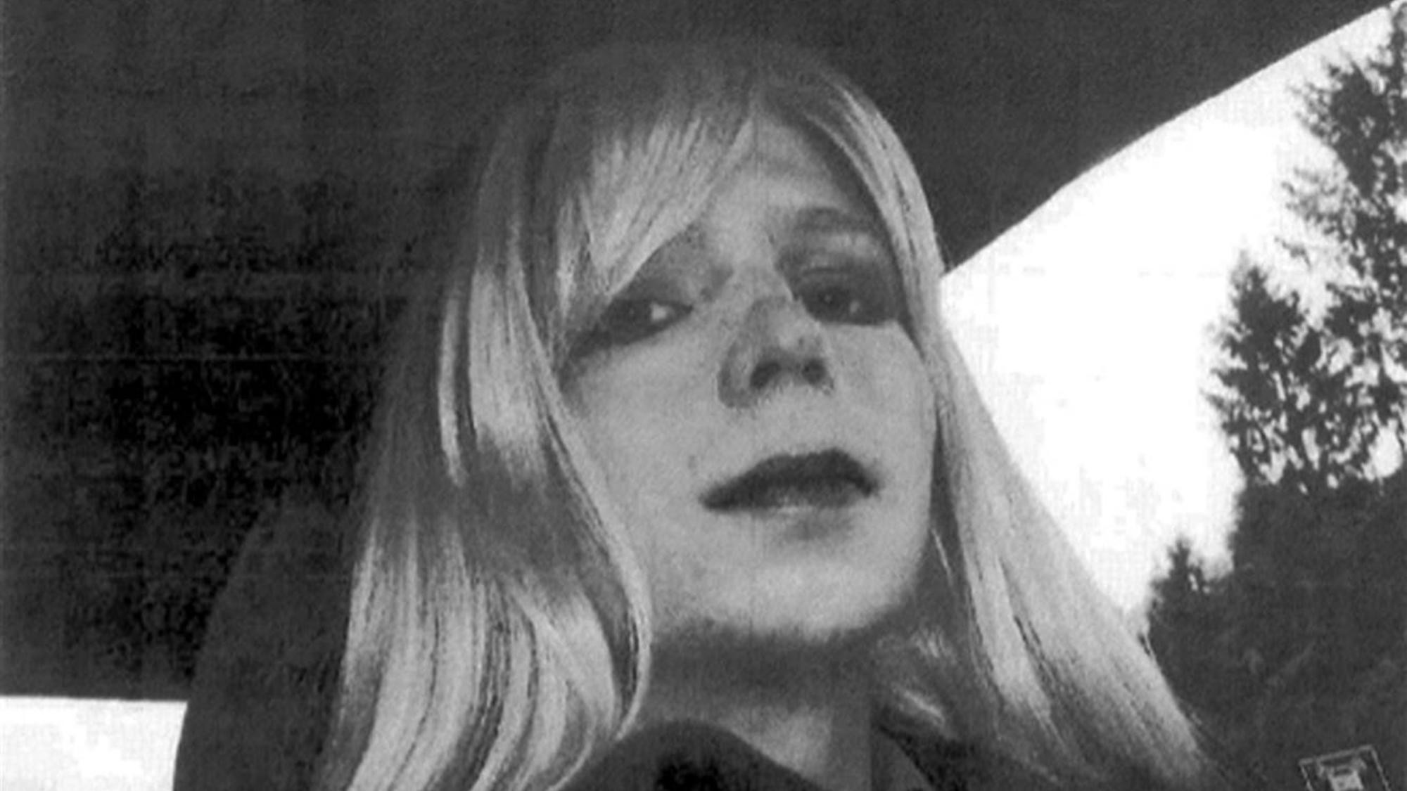 chelsea manning exposes the hypocrisy of lgbt and mental health progress in the usa