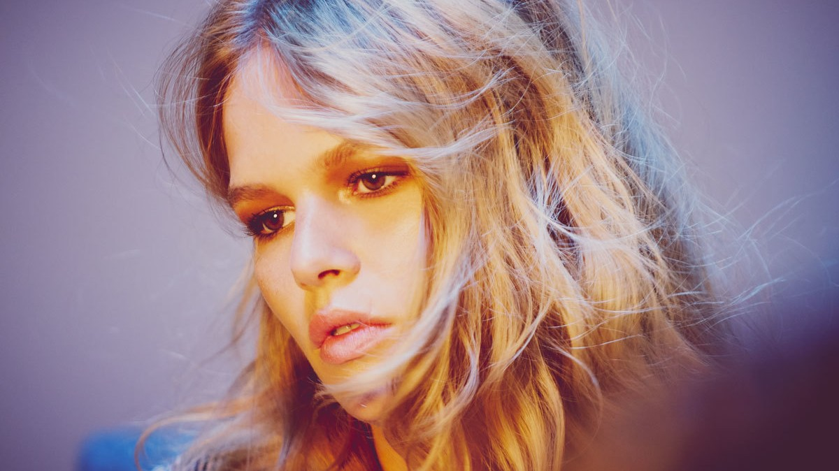 your nine point guide to anna ewers