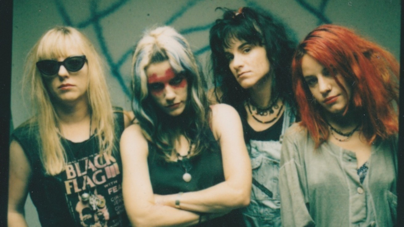 ​shirley manson and krist novoselic fete feminist grunge punk band L7 in new documentary