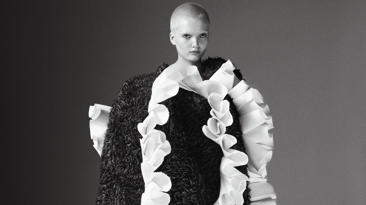 the theme of the 2017 met gala is rei kawakubo / comme des garçons