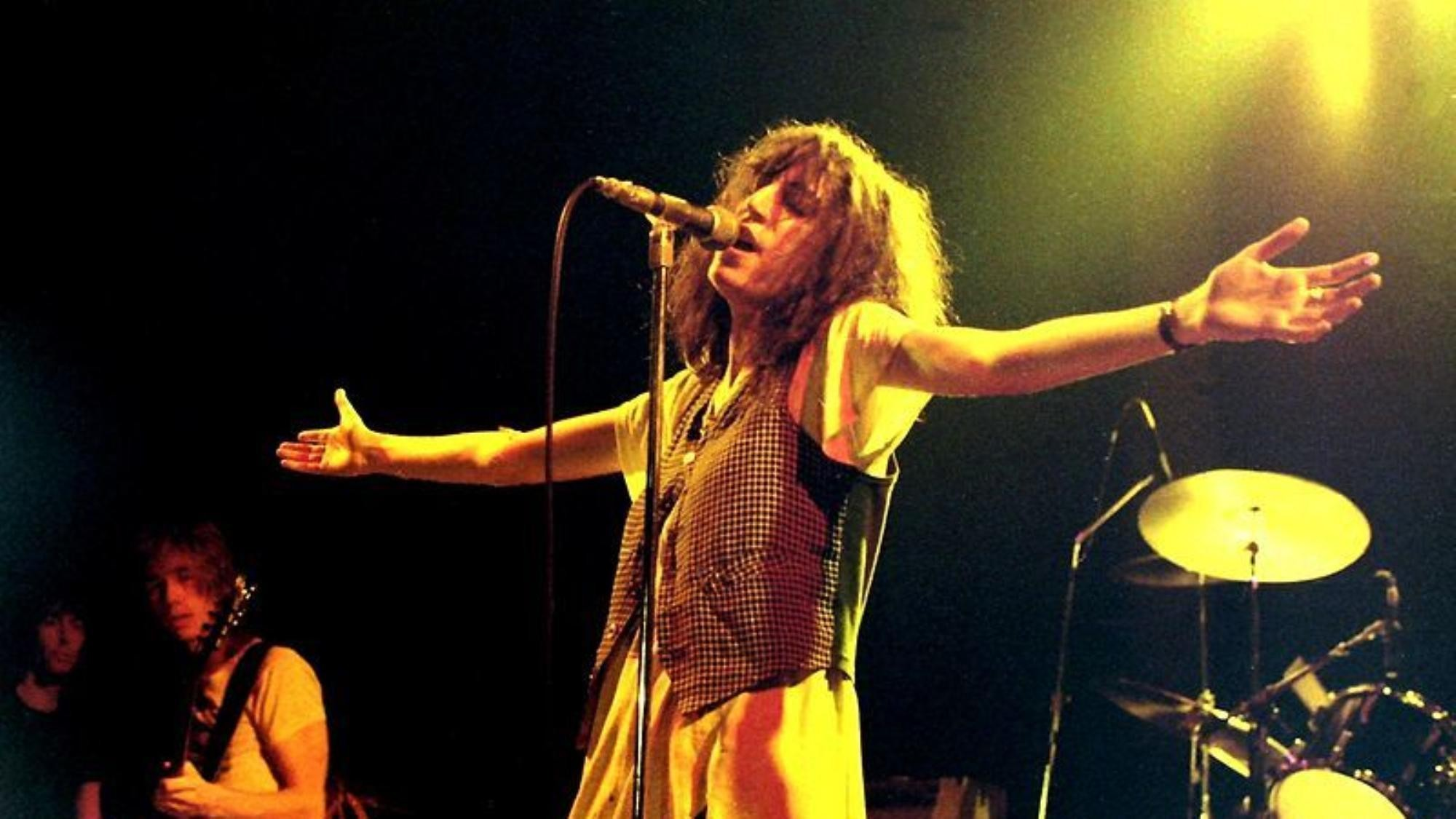 patti smith wrote a wonderful essay about fumbling her bob dylan tribute