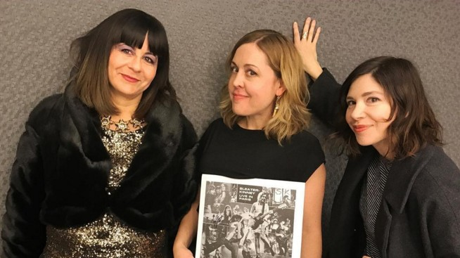 watch the first music video from sleater-kinney's new album live in paris