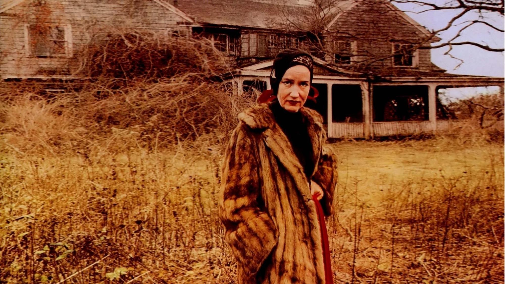 the iconic grey gardens mansion is for sale