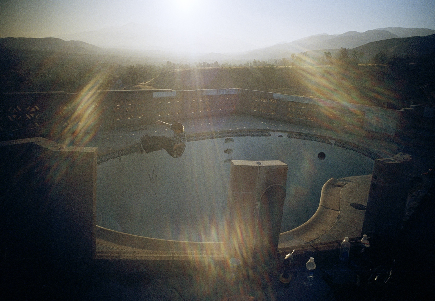 Skater Tino Razo S Sun Drenched Photos Of Abandoned L A Pools I D