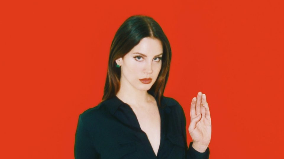 witches (and lana del rey) plot mass hexing of donald trump tonight