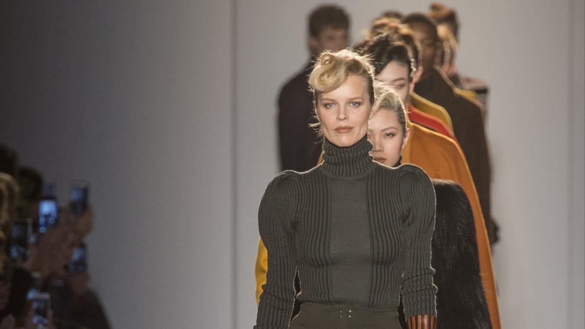 the art of seduction with bottega veneta and philosophy at milan fashion week
