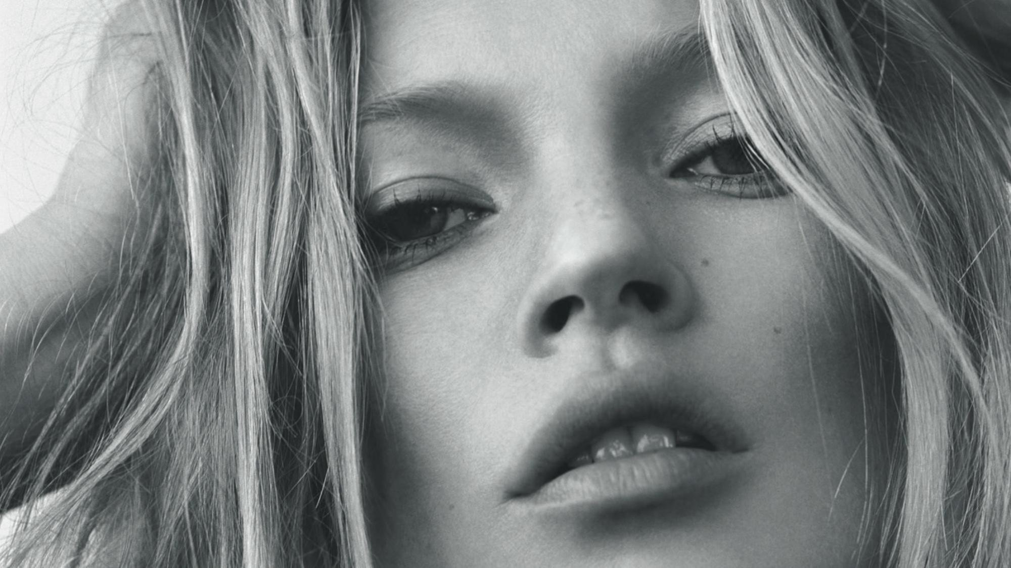 kate moss will star in the love actually sequel