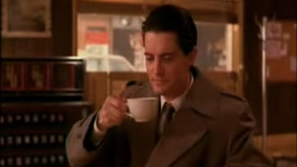 kyle maclachlan made a twin peaks-themed playlist to get you in the mood