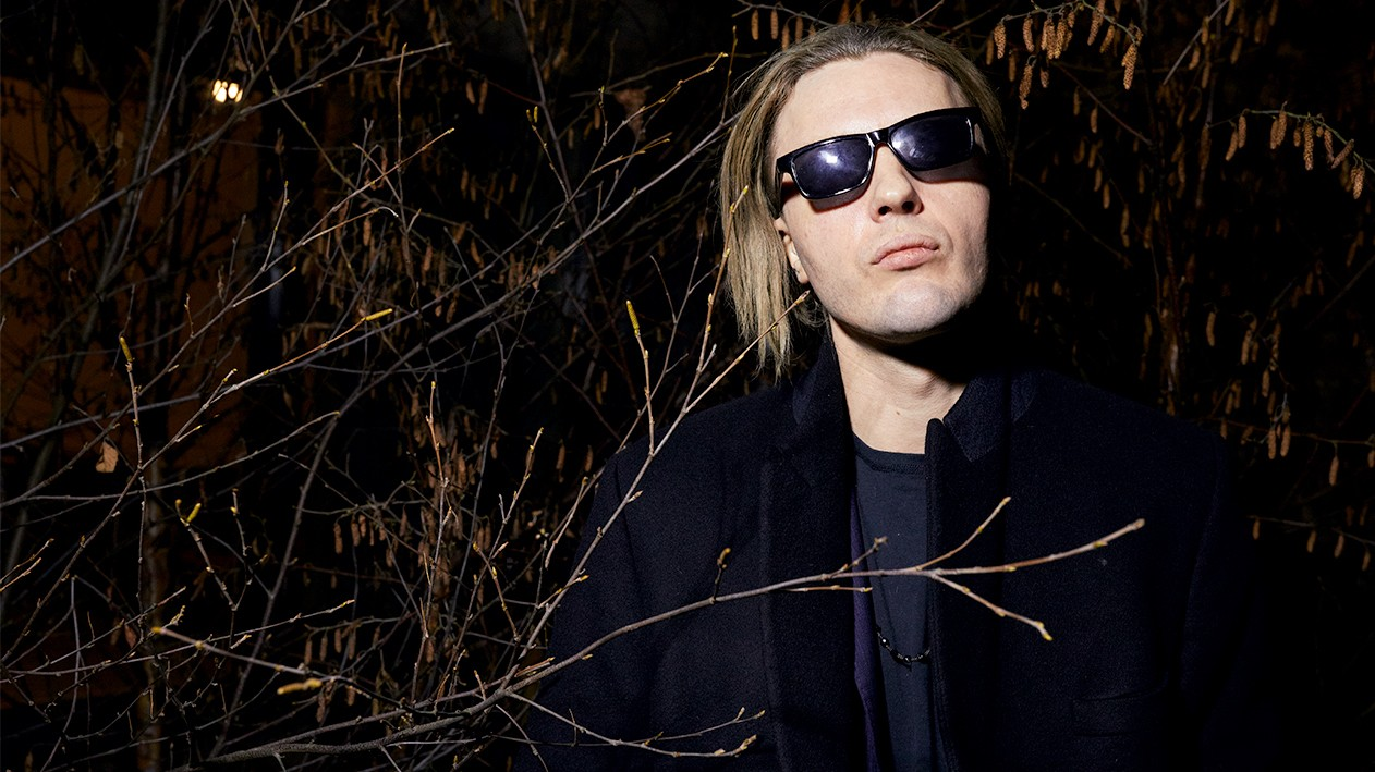michael pitt talks 'ghost in the shell' and challenging the norm