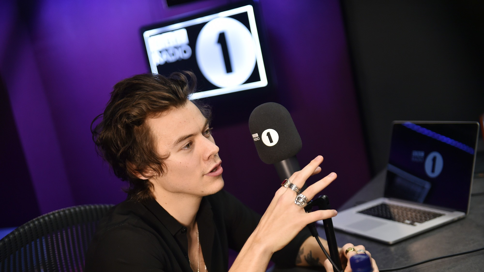 harry styles on music, dating, and those rumours