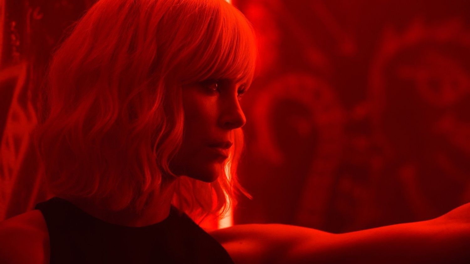 'atomic blonde': charlize theron is an undercover spy kicking ass in cold war berlin
