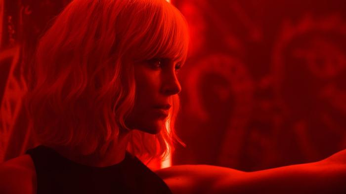 atomic blonde: charlize theron is an undercover spy kicking ass in cold war berlin