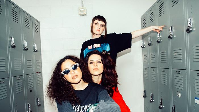 positive thinking with muna, your new best band friends