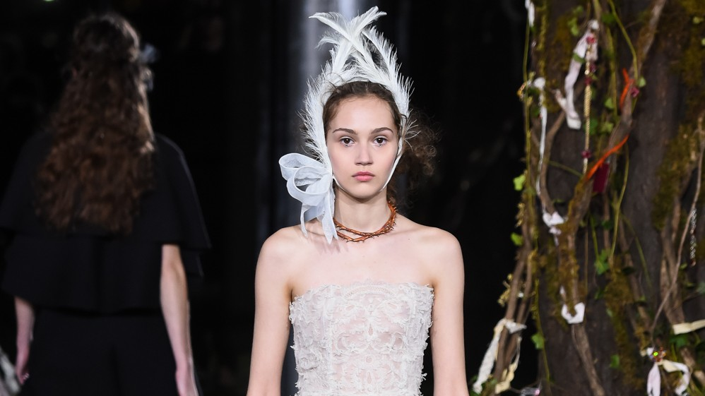 lvmh are trying to buy christian dior couture