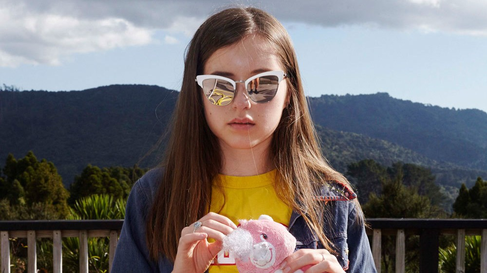 teen dreams of new zealand, straight up