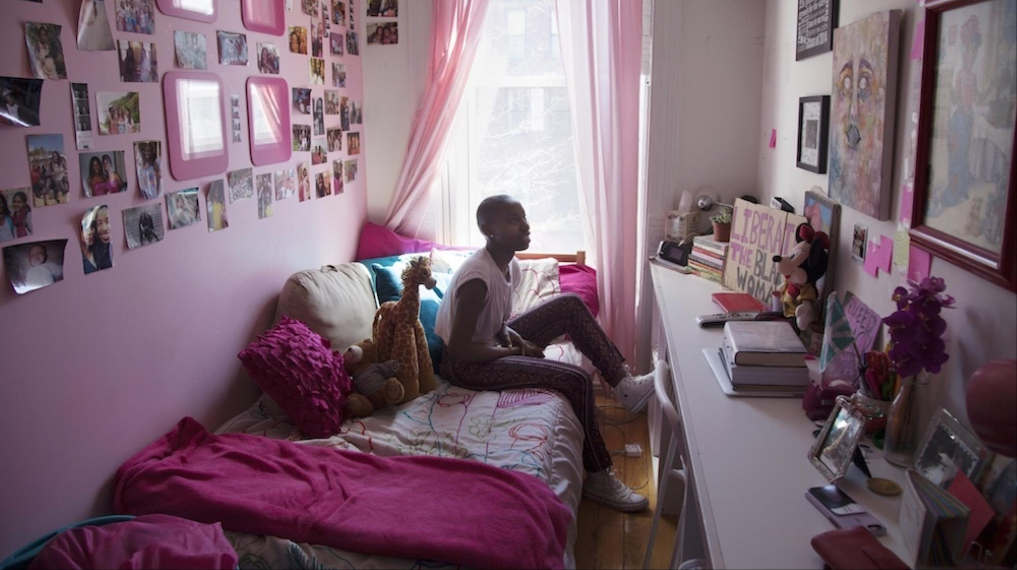 photographing new york city teen girls in their bedrooms